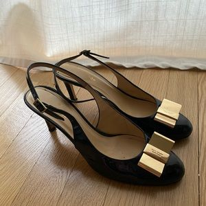 Kate Spade Black Gold Bow Heel (8.5)